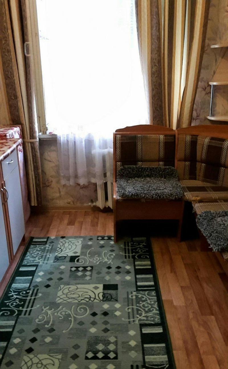 Комната в коммунальной квартире чистая и уютная.