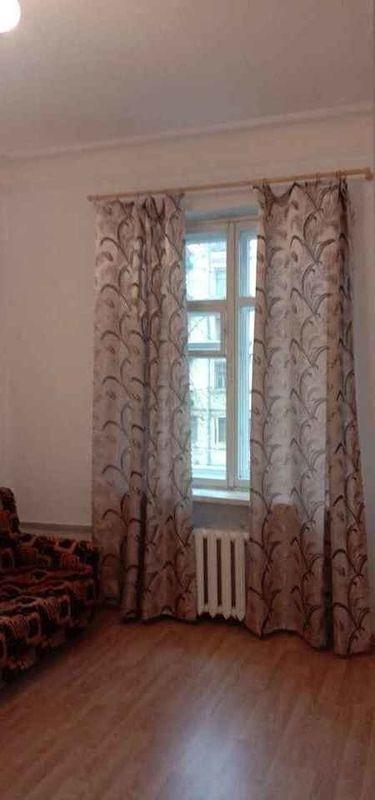 Ломоносовская сдатся комната 16 м.