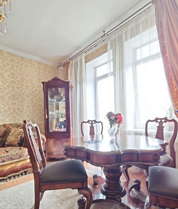 Аккуратная 3-комнатная квартира для добросовестных жильцов.