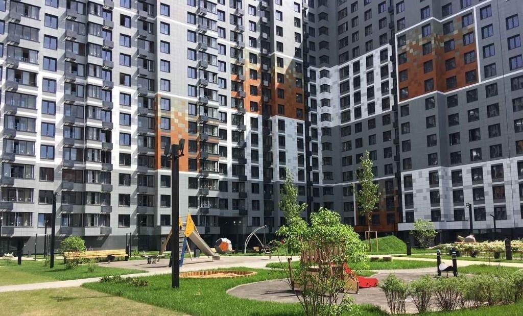 Продается 1-к квартира в развитом благоустроенном районе.